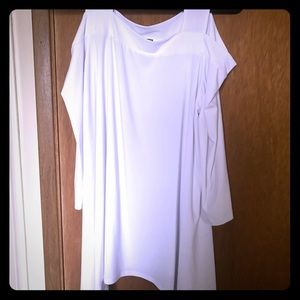 Cold shoulder tunic. Worn once.No stains.